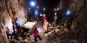 «НОВЫЕ ОСТРОВА» (846) 231-31-01 - В пещере
