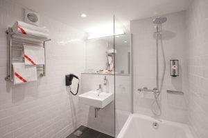 Отель AZIMUT 8 800 200 00 48 - Ванная